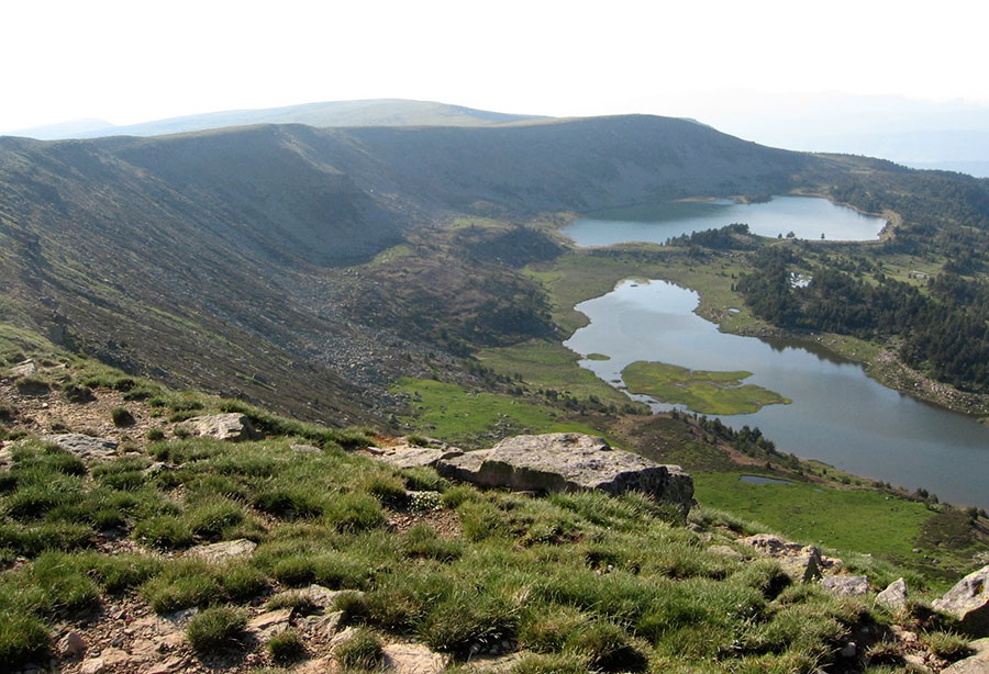 Las Lagunas de Neila volverán a coronar al vencedor final de la XL Vuelta a Burgos en la quinta y definitiva etapa