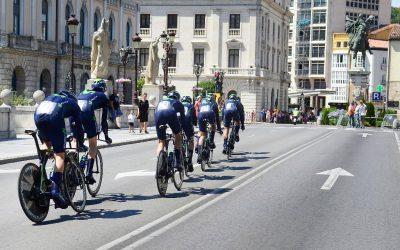 Movistar y Astana completan la participación de equipos World Tour
