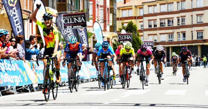 Karlijn Swinkel tras vencer al sprint. Foto de Daniel Peña.